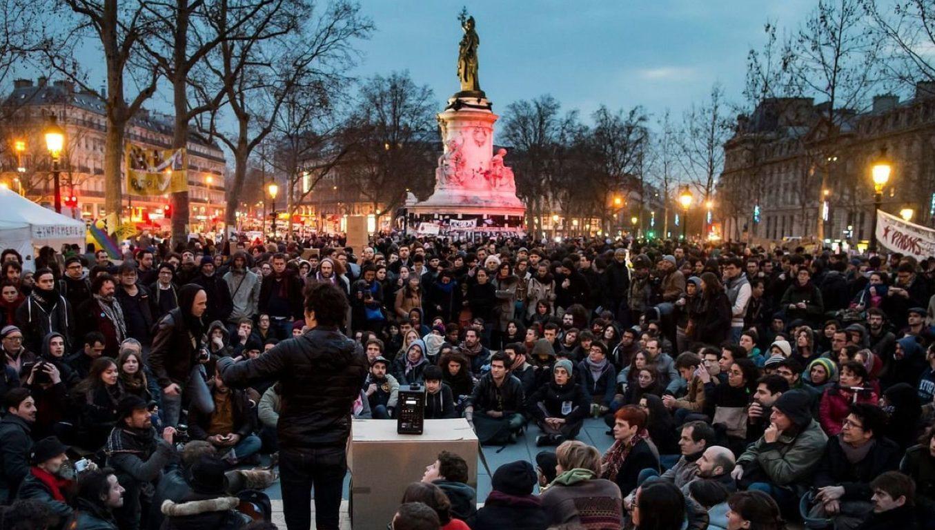 English Copywriter in Paris: French attitudes job security